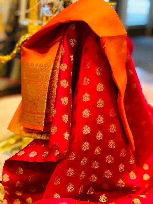 Banarsi silk saari margenta full body contrast with orange pallu