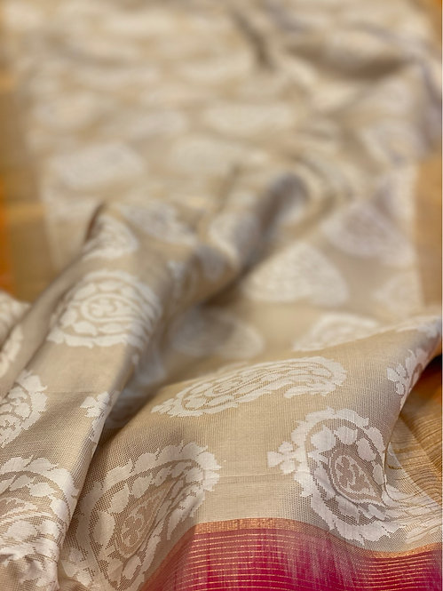 Pure banarsi handwoven silk saari