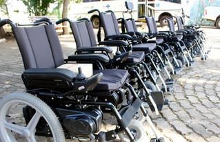 3 etapas para conseguir cadeira de rodas motorizada pelo SUS