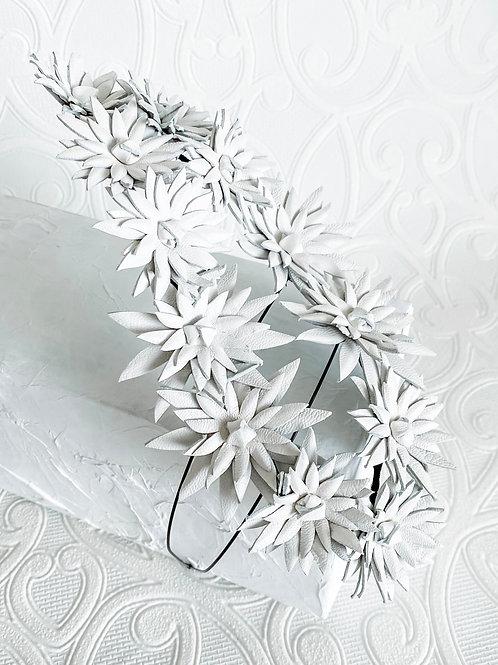 Elusive | White