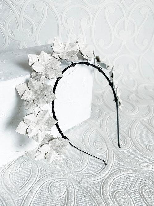 Jezabeel | White