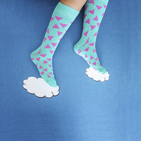 """Because wearing #HappySocks is like walking on dreams."""