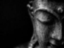 תרפיסט המשלב גישות ייעוץ ותרפיה מערביות בשילוב עבודת מודעות, חקירה רוחנית, זן, חיבור ושחרור רגשי.Mor Argy תרפיה עכשווית מור ארג'י