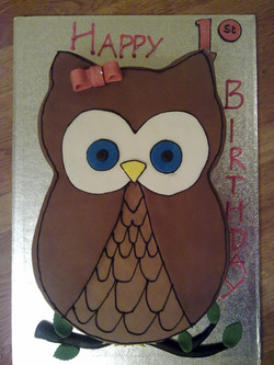 Owl shaped birthday cake