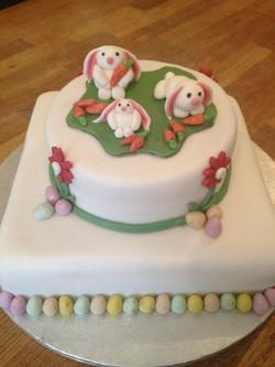 2 tier Easter n Cake