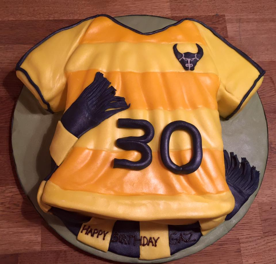 Oxford United shirt Cake