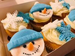 Snowman face christmas cupcakes