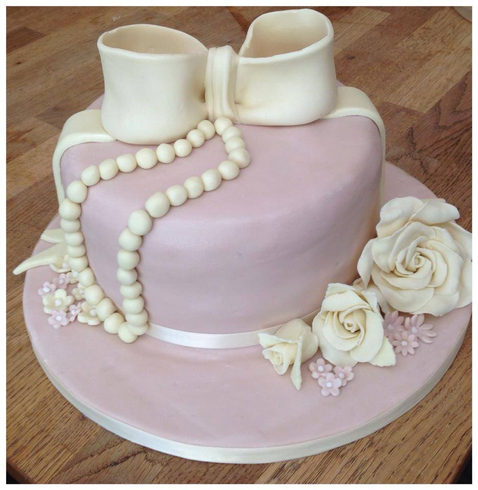 Fondant Bow and Roses Cake