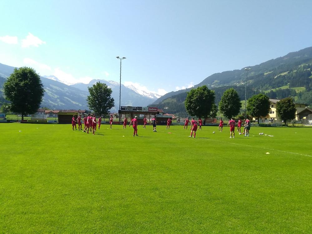 Heuer schon auf Trainingslager im Zillertal: das U19-Nationalteam aus Malta (Foto: SLFC Soccer Gmbh)