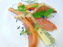 Salmone marinato.jpg