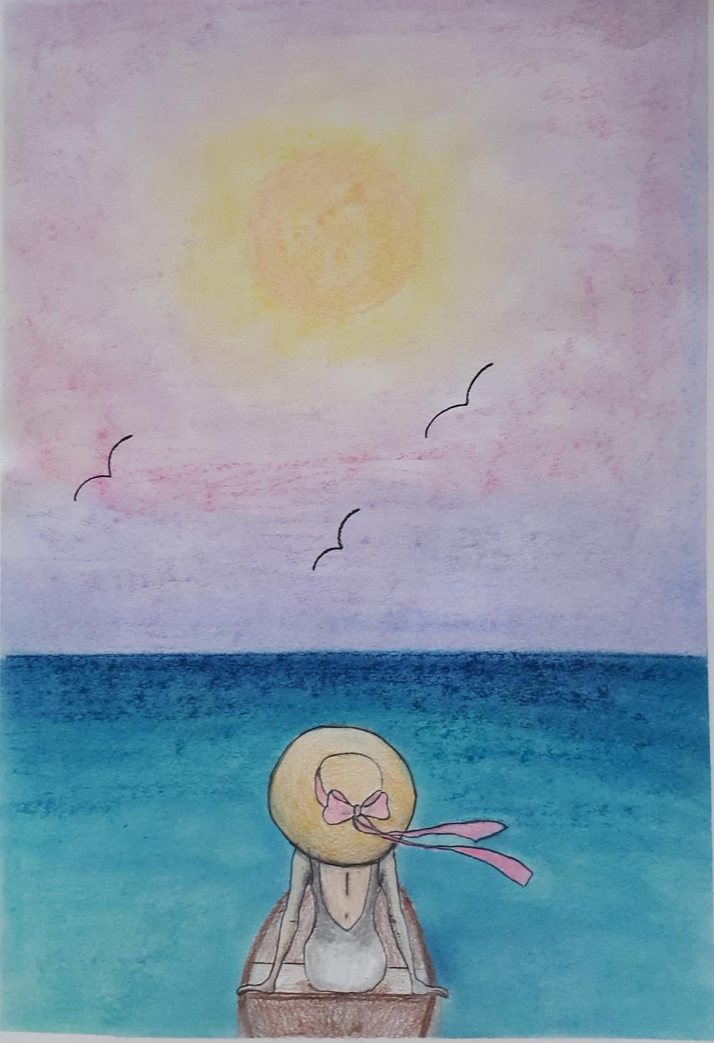 Desenho feito por Christina Brazil. Em um pequeno barco de madeira há uma mulher sentada de costas, ela está de chapéu palha com um laço de fita rosa, veste um maiô cinza. ao fundo o oceano em um degradê de verde, do mais claro para o mais escuro, no horizonte. No céu os tons de rosa se misturam com o amarelo do sol que está ao centro. vê-se três gaivotas voando.
