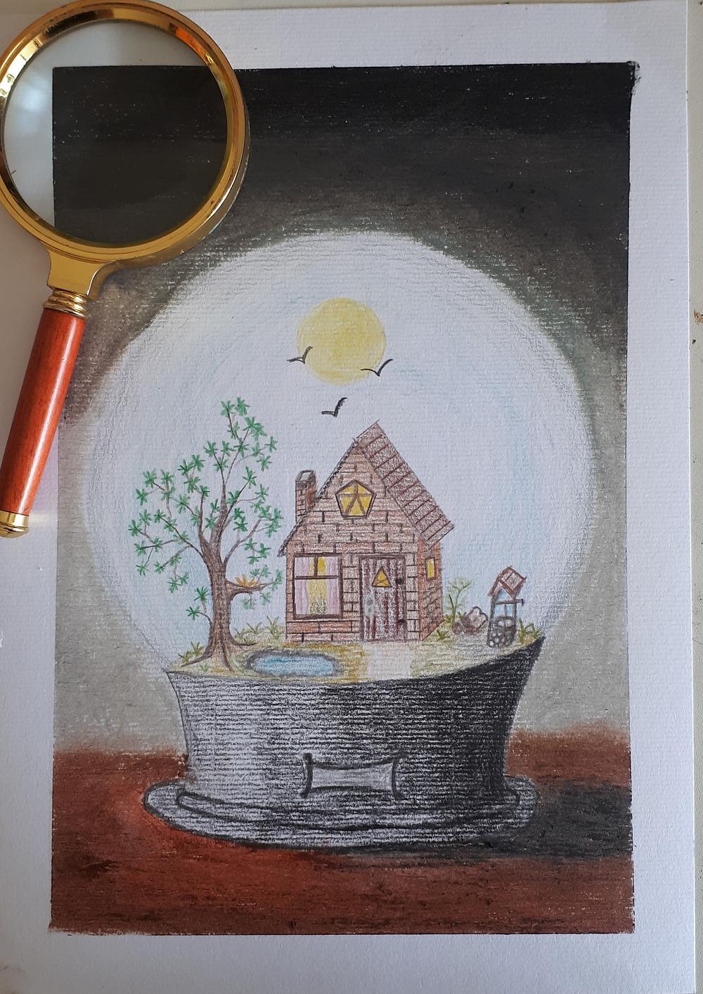 Desenho feito em uma folha A4 com fundo nebuloso com cores escuras, feito com giz pastel seco. Ao centro, feito com lápis de cor, um globo de cristal com base escura e dentro uma casa rustica de alvenaria, com chaminé, porta e janelas. Através da janela da frente vê-se a luz acesa. No jardim, à esquerda vê-se uma árvore com um ninho de passarinho, ao lado um pequeno lago e um caminho que sai da porta em direção à parede do globo de cristal,  à direita da casa vê-se um poço de pedra com um telhado rústico. O céu é azul, com o sol ao centro e três gaivotas voando. Na foto, acima do desenho, no canto superior esquerdo, há a lupa da autora.
