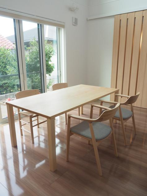 シンプルでこだわりの詰まった家具選び