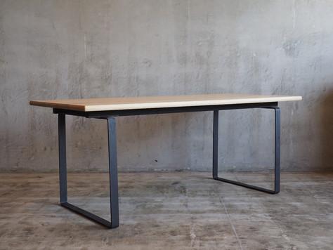 F13_Dinig_table