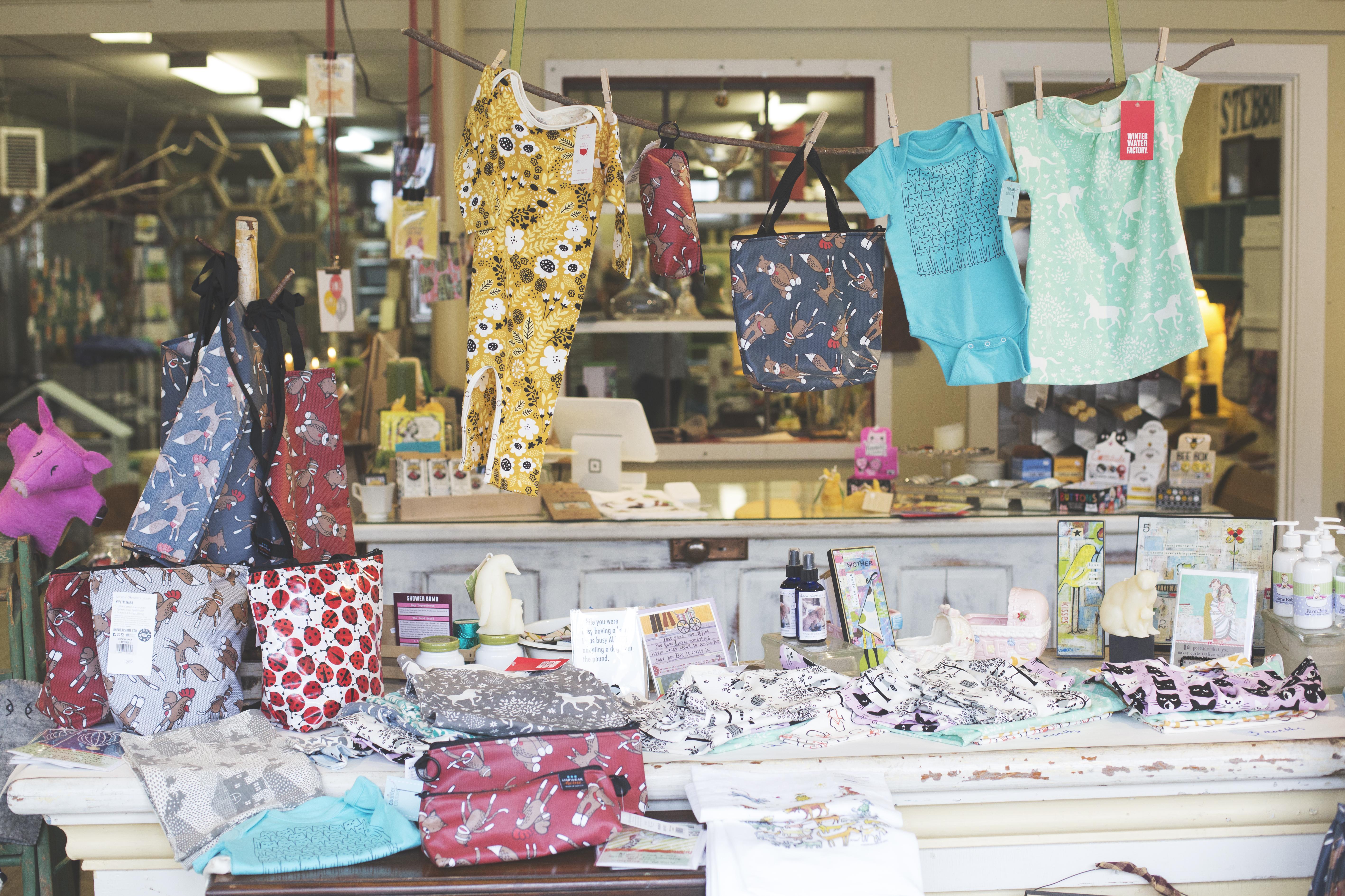 Vermont HoneyLights shop window