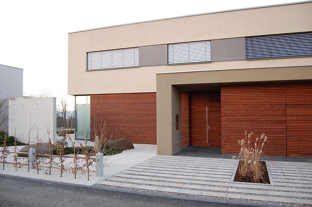 Villa mit Holzschalung