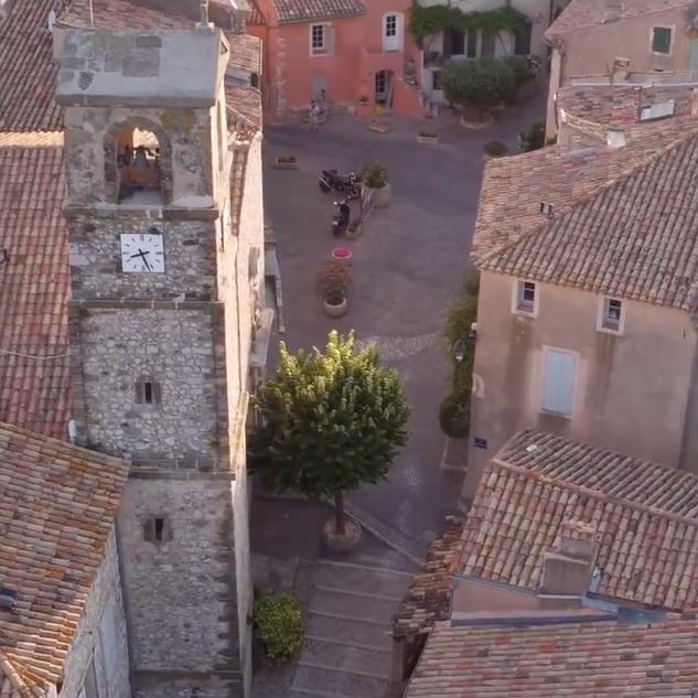Vidéo promotionnelle de la commune de Ventabren ( (images drones deronneprod)