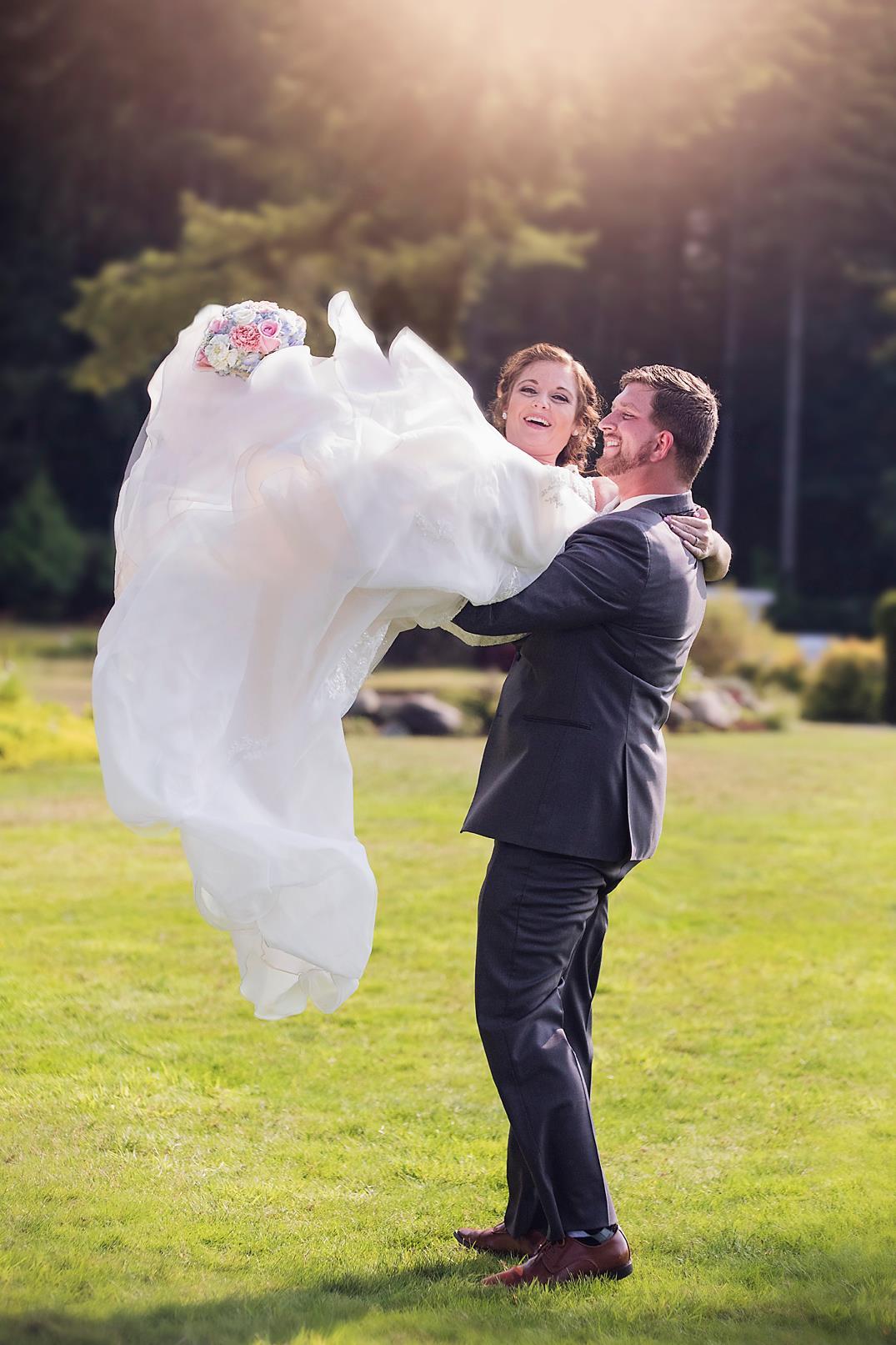 bride toss
