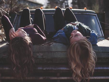 Amizades também são histórias de amor