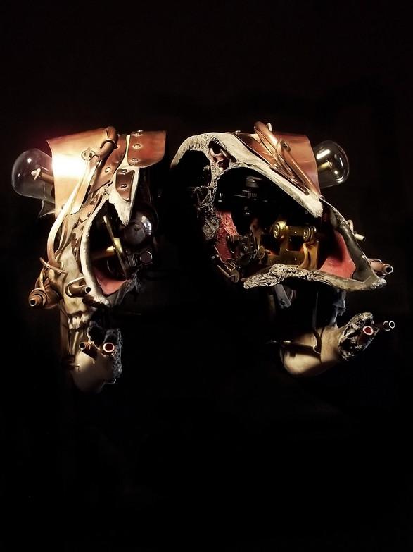 Eddison Hinge Ram Skull