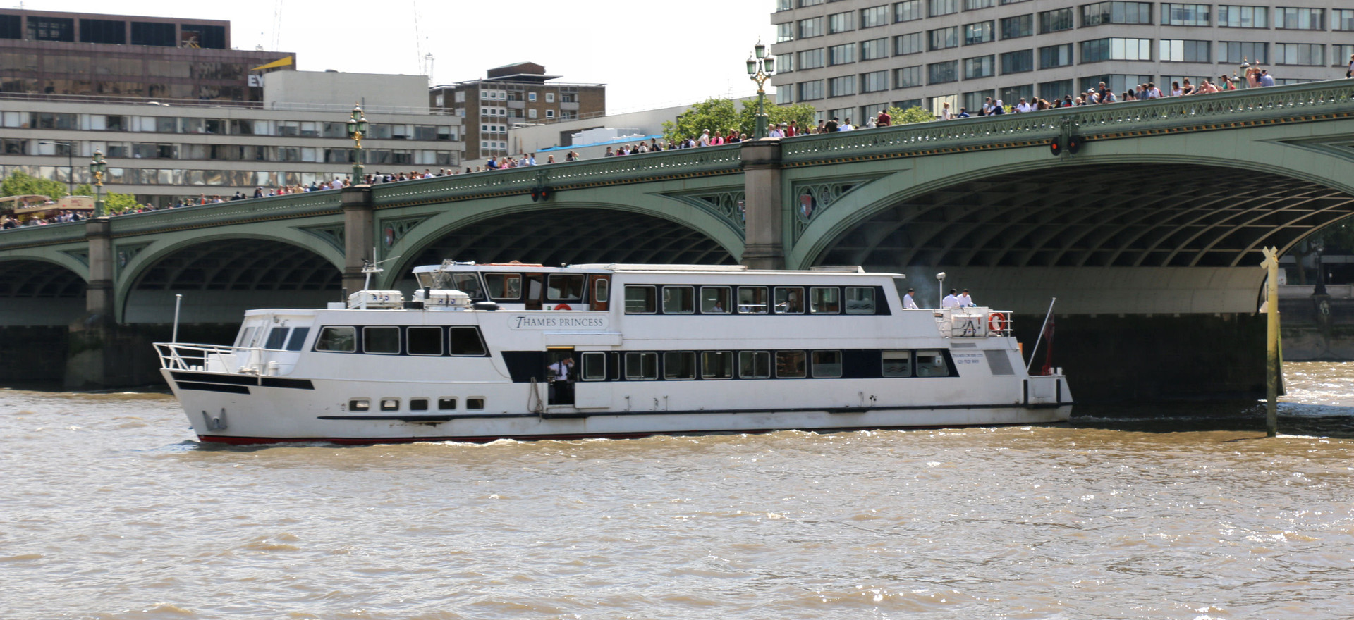 Thames River party boats