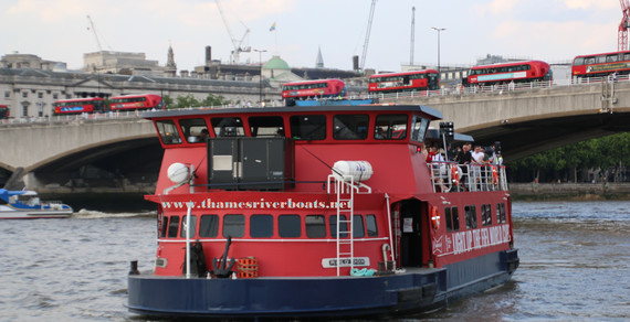 Pearl of London Thames River Boat
