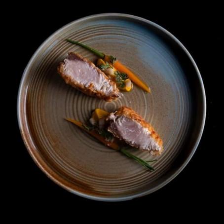 Ricetta donata da: Ottavi Mare - Cotoletta di ricciola alla milanese,carote acide e rabarbaro.