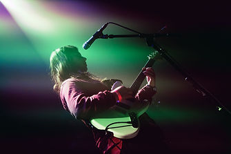 Alex Lahey Liv at The Rickshaw Stop in SF. Photo by Corgam. Photochronicle. Fender Offset Series Mustang 2016 Olympic White