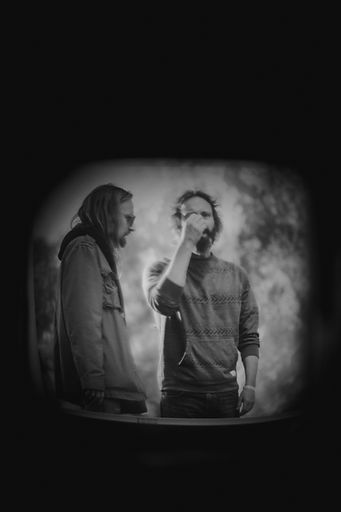 Chris Robinson Brotherhood, Hardly Strictlly Bluegrass, Synesthesianow, Corgam, Documentary Photography, Music Photojournalist, Lomography, lens distortion, monochrome, black and white