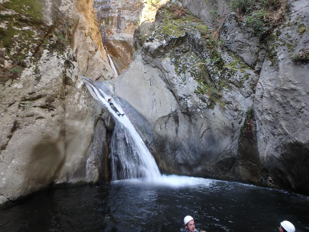 Paysage dans un canyon naturel à 30 minutes du littoral