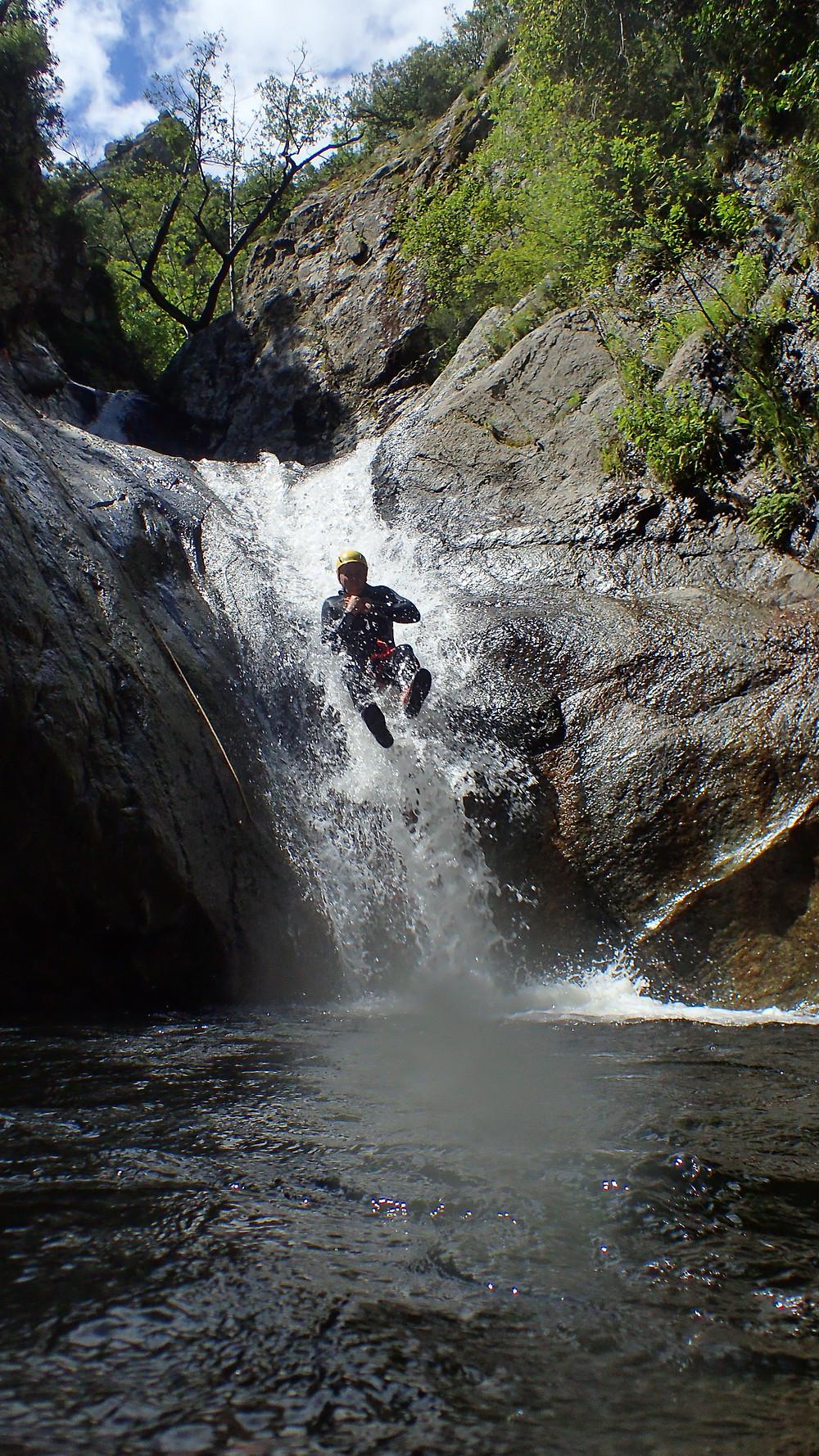 toboggans en canyoning dans les Pyrénées orientales avec Explor'addiction !