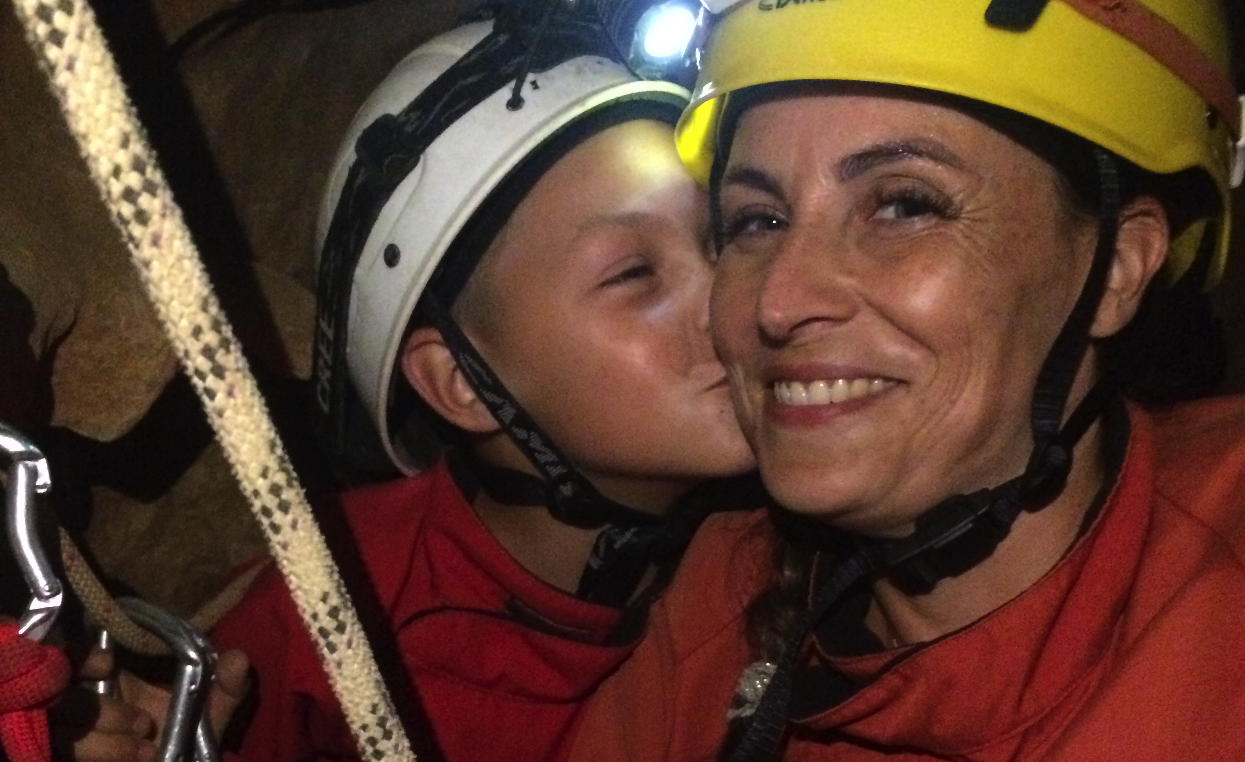 Discovering caving in family, kids loves that !