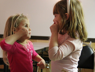 Using Sign to Relate to Your Little Learner, Tips From a Speech-Language Pathologist