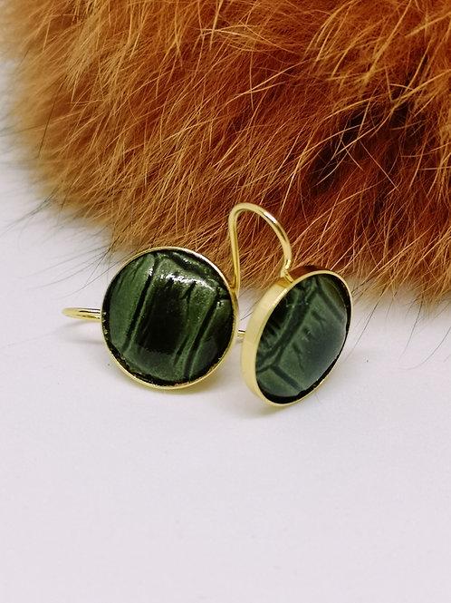 Oorbel in smaragdgroen rundsleder met crocoprint. M28.