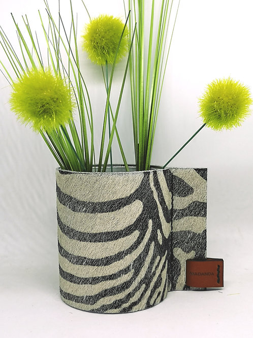 Decoratief glazen potje bekleed met koeienhuid in zilver zebra print B7