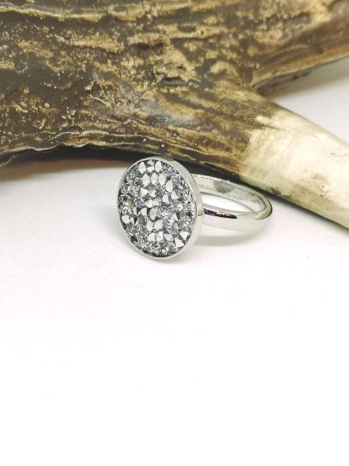 Ring ingelegd met zilveren swarovski steentjes, N283
