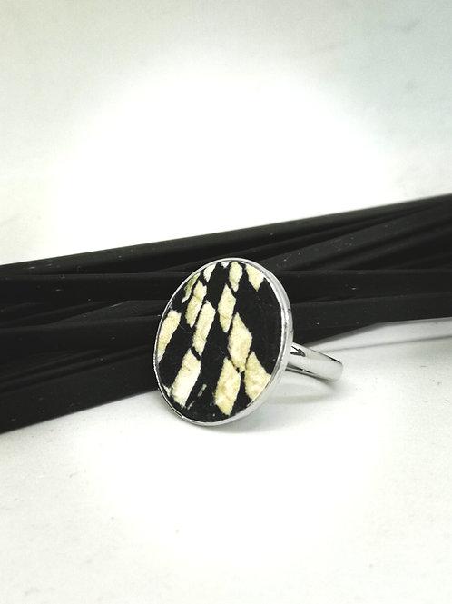 Ring in beige/zwart rundsleder met slangenprint N136