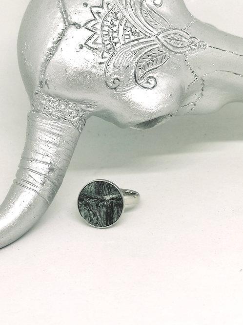 Ring in groen rundsleder met crocoprint. N386
