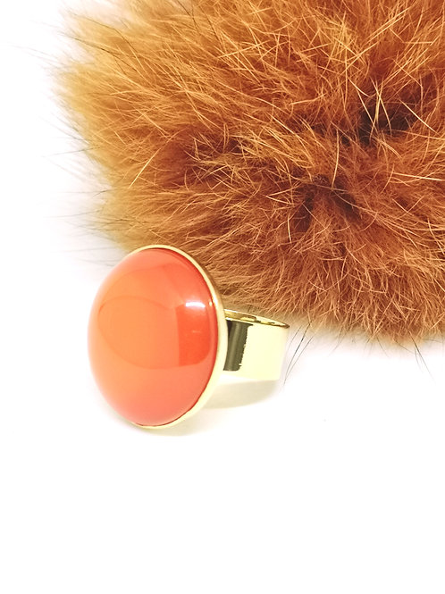"Ring ingelegd met hars cabochon ""Orange"". M390"