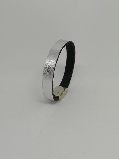 Armband in rundsleder, zilver. P8.