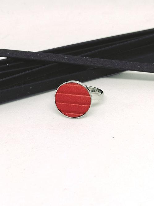 Ring in geribbeld rood rundleder N385