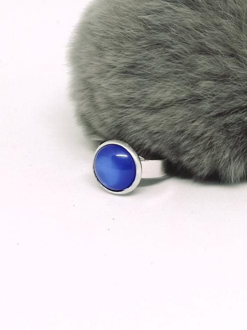 Ring ingelegd met hars cabochon bleu electrique N187