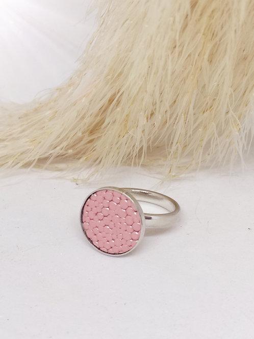 Ring ingelegd met roze rundsleder met roggenprint N323