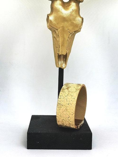 Armband in goud roggenprint. M73.