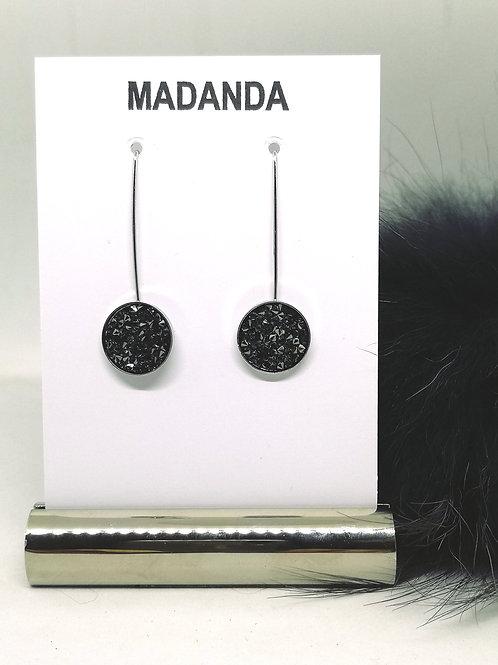 Oorbellen in zwart met zilveren schaduw. Swarovski. N78.
