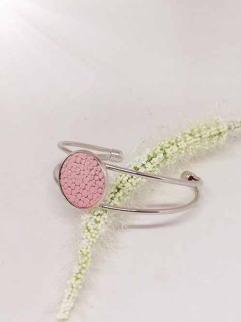 Armband in roze rundsleder met roggenprint N179