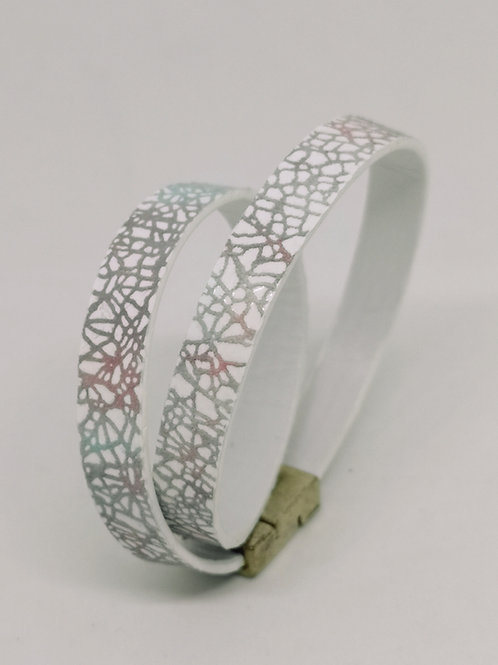 Armband in rundsleder, in pastel craquelé. P2.