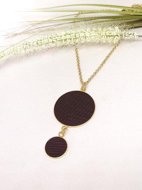 Halsketting met dubbele berloque in zwart rundsleder met slangenprint M672