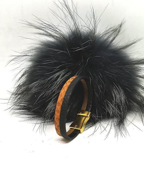 Armband in zwart/goud/cognac rundsleder met slangenprint M161
