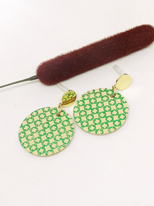 Oorbellen in beige/groen rundsleder M22